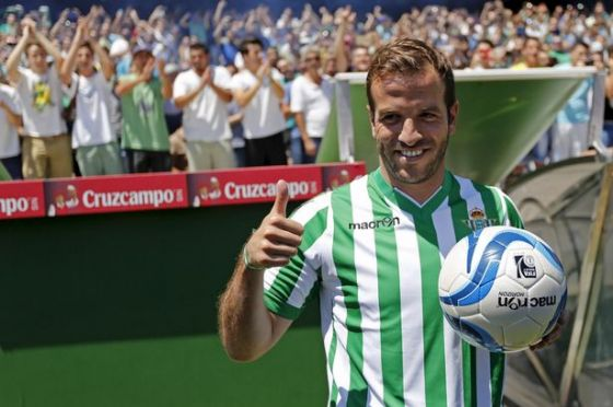 10_rafael-van-der-vaart-moves-to-real-betis.jpg (40.9 Kb)
