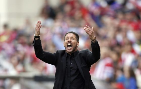 2686_atletico-madrids-coach-diego-cholo-simeone-reacts-during-their-la-liga-soccer-match-against.jpg (23.71 Kb)
