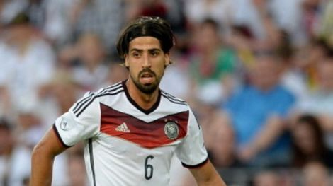 2750_450186274-sami-khedira-of-germany-runs-with-the-ball-during-the.jpg (18.64 Kb)