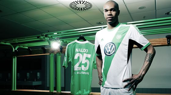 2823_wolfsburg_13_14_home_kit_naldo_2.jpg (33.93 Kb)
