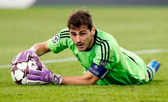 87_iker-casillas.jpg (33.8 Kb)