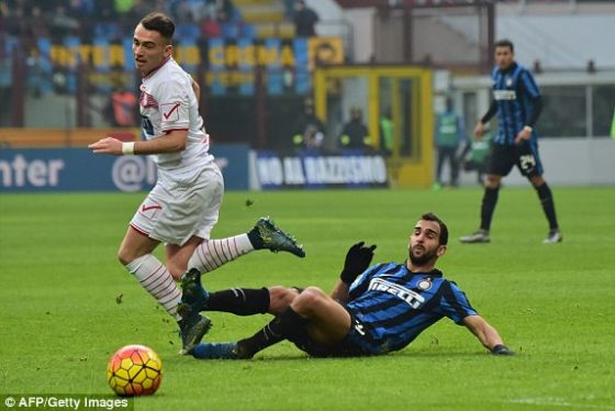 5839_1454345072985_lc_galleryimage_inter_milan_s_defender_fr.jpg (36.9 Kb)
