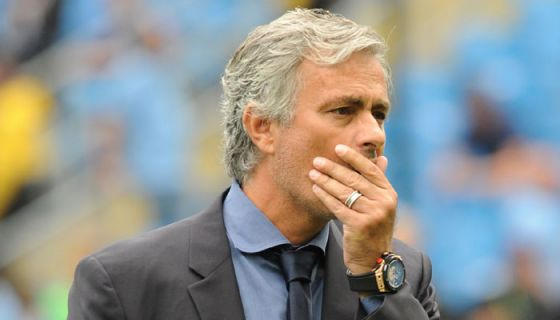 6078_395911-jose-mourinho-covers-mouth.jpg (21. Kb)