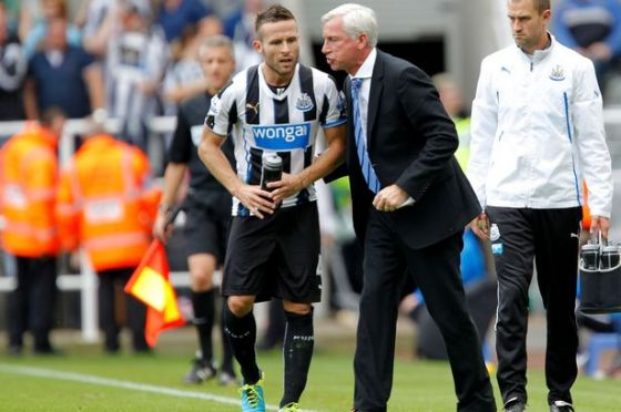 7381_yohan-cabaye-and-alan-pardew-6075523.jpg (39.18 Kb)
