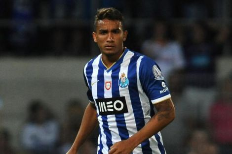 87_1423729343_hi-res-173736592-danilo-of-fc-porto-in-action-during-the-pre-season_crop_north.jpg