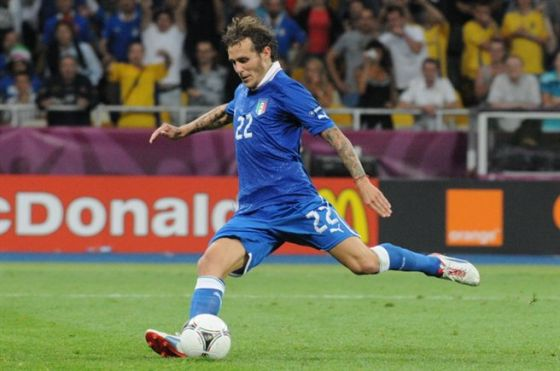 alessandro_diamanti_euro_2012_vs_england_penalty.jpg (34.98 Kb)