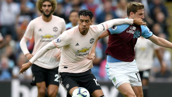 chris-smalling-manchester-united-burnley-2018-19_l56h42elqo841hsb8igeu983j.jpg (34.41 Kb)