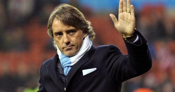 live-roberto-mancini-waves-to-fans.jpg (23.84 Kb)