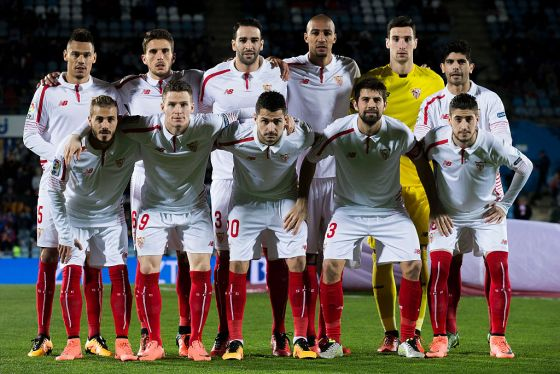 sevilla-fc-players-lineup-before-the-match-against-getafe.jpg (58.87 Kb)